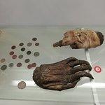Museum der Geschichte Rigas Mumifizierte ,abgehackte Hände eines Diebes