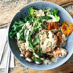 Featured: Yogi Bowl w/Tamari Chicken  This well balanced bowl is perfect fuel for the day, have it for brekkie, or for lunch!