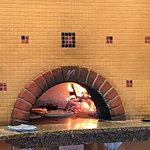 800 Degrees Wood Fired Pizza
