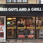 Three Guys and a Grillの写真