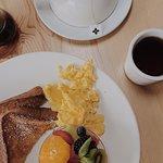 Photo de Toast Bakery Cafe