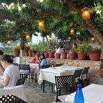 Taverna To Patriko Mas