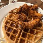 Fotografia de Frizzle Chicken Farmhouse Cafe