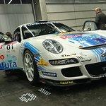 Fotografía de un Porsche 911 GT3 en la exposición 'Retroclásica BEC'.