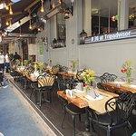 Salute Pub&Restaurant