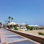 Photo de Hotel Tropicana & Beach Club