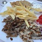 Foto de Hermes Greek Grill House