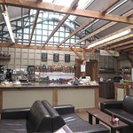 صورة فوتوغرافية لـ Maple Leaf Cafe