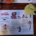 Karikatür Bi Kafe resmi