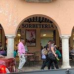 Foto de Dulceria y Sorbeteria Colón