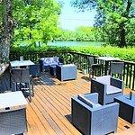 Bar en terrasse, en bord de Saône