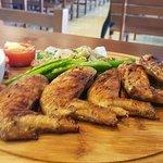 Foto de Angels Sports-Bar Restaurant