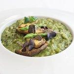 Risotto de cogumelos e espargos verdes Mushroom risotto with green asparagus
