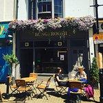 Bungaroosh Cafe Bistro