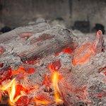 Disfruta de las carnes y los pescados a la brasa en Oxid La Tertulia