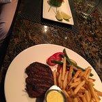 The Keg Steakhouse + Bar Dunsmuir照片
