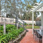 Grandview Accommodation - The Flaxley Apartments Photo