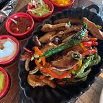 صورة فوتوغرافية لـ Houston's Restaurant & Pub