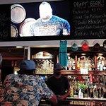 Broken Anchor Bar & Grill照片