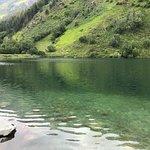 Посетили озеро Туманлы-Кёль в Гоначхирском ущелье, от Домбайской поляны 7км. Увидели съеденные короедами леса и красивейшие сосновые аллеи. Доехали до реки Кичи-Муруджу (в самом конце Военно-Сухумской дороги, рядом с пограничной зоной) очень красивое место для фото.