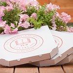 Zamów pizzę z dowozem z na wynos:)