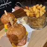 ภาพถ่ายของ Longboards Laidback Eatery & Bar