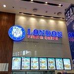 صورة فوتوغرافية لـ London Fish and Chips