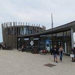 Entrée de l'Office de Tourisme placé sur l'esplanade Saint-Vincent de Saint-Malo