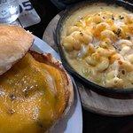 Plain cheeseburger with mac and cheese