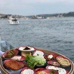 meze tepsisi ve Galatasaray adası manzarası