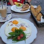 Breakfast at Kedves