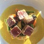 der Thunfisch auf Currysauce - angenehm scharf