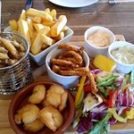 The seafood grazing platter (for 2)