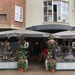 Froggy's cafe fra gaden