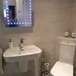 Washbasin and wc