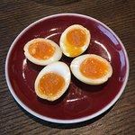 淮鹽糖心燻蛋,蛋的味道和質感一般,淮鹽應有的鹹味也沒有