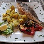 Goldbrasse vom Grill mit Gegrillte Gemüse und Petersillien Kartoffeln :)