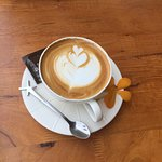 ภาพถ่ายของ Max Wine and Coffee On Hill