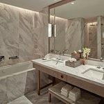 King Grand Deluxe Bathroom