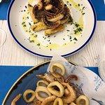 Frittura di gamberi e calamari e polipo croccante con verdure