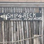 Foto de Shipwreck Beach Bar and Grill