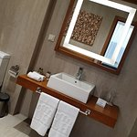 Bathroom of suite  A 702, photo by placescases.com