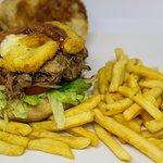 Momia Burgers