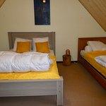 chambre tournesol 2eme étage avec 4 couchages