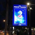 Whole Earth Restaurant照片