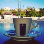 Café Lavazza, la voix de la terre, 100% arabica, issu du développement durable.