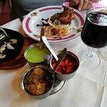 caille tandoori en entrée et les traditionnelles sauces