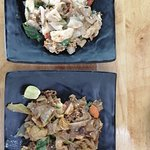 Noodles y sopa de coco con pollo