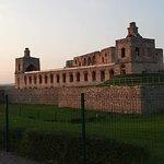 Zamek Krzyżtopór - 8. Pełne ujęcie zachodniej części