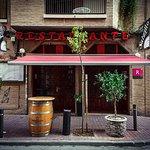 Entrada principal Restaurante Salzillo.          C/ Cánovas del Castillo, 28. 30003 Murcia
